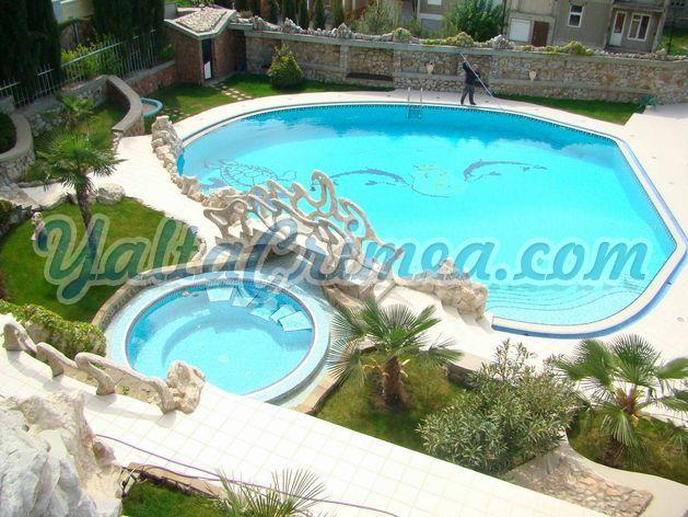 № 239 Дом в сосновом бору с большим бассейном, Массандра