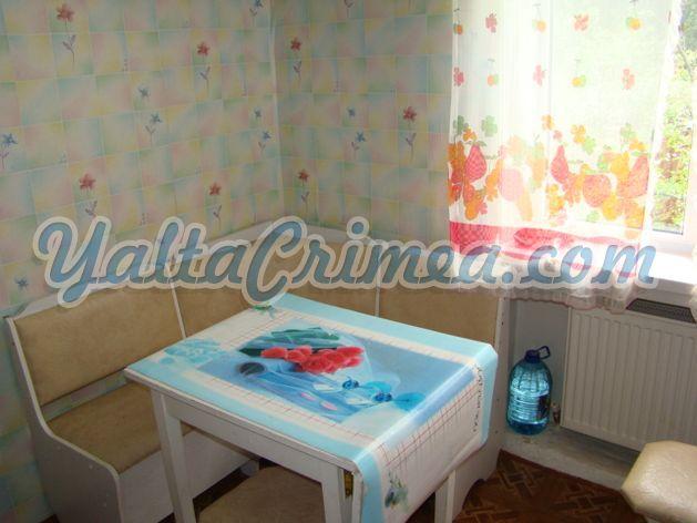 № 179 ул. Киевская (р-н Овощного рынка), Ялта
